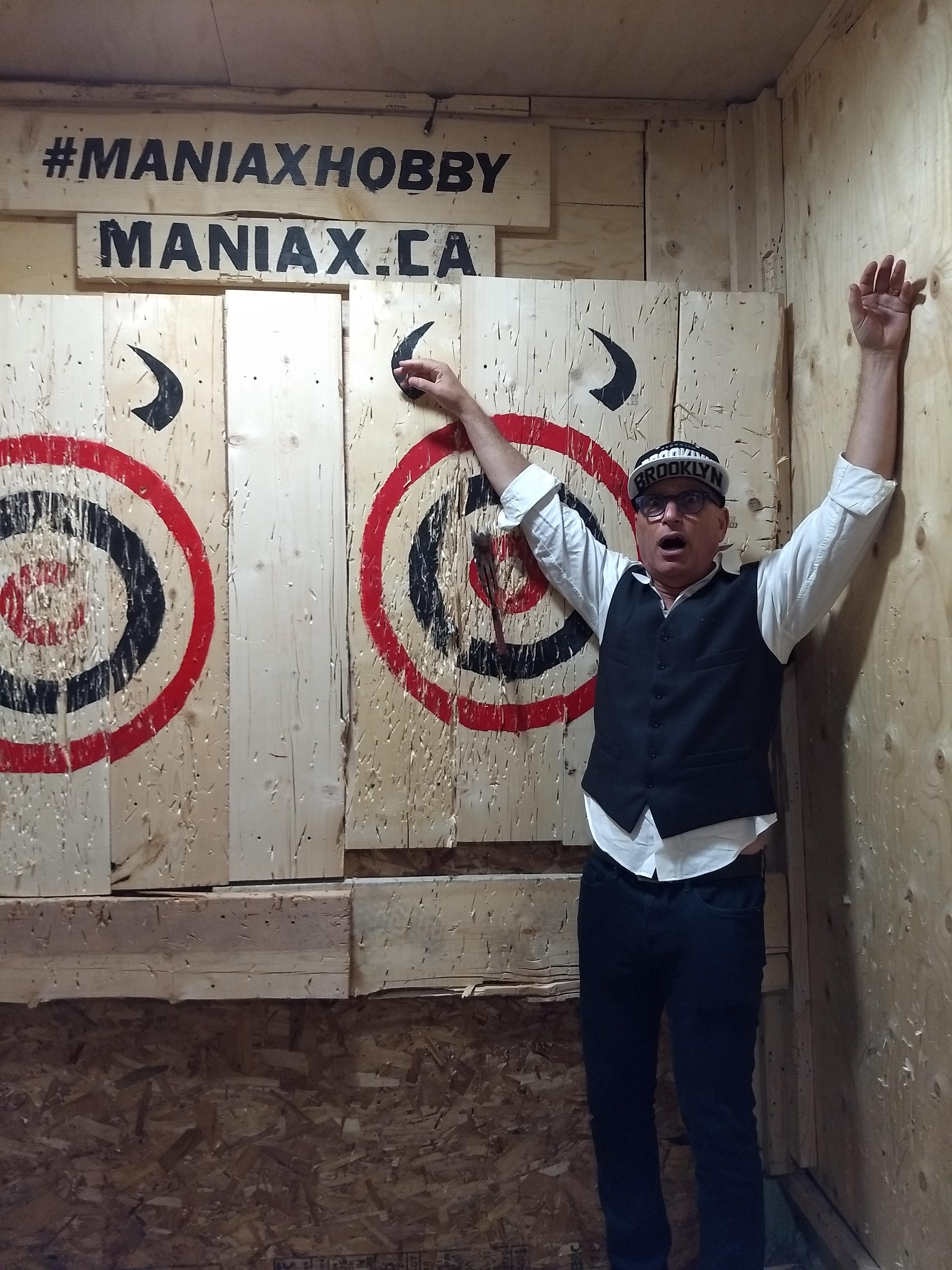 Howie-Mandel-axe=thworing-maniax
